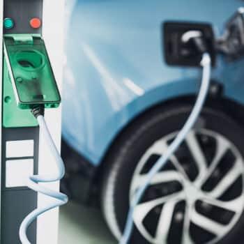 Os carros elétricos são uma alternativa de mobilidade urbana mais sustentável