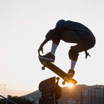 Popular, skate atrai público em estreia nas Olimpíadas